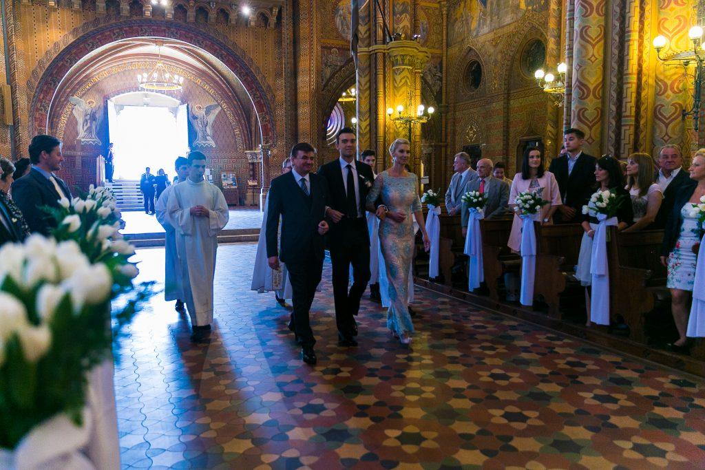 Mátyás templom esküvői szertartás bevonulás - Birta Fotó